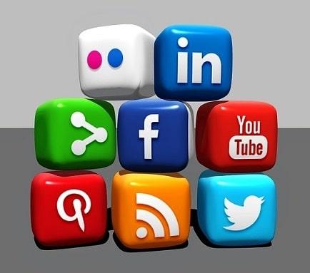 promote your blog on social media