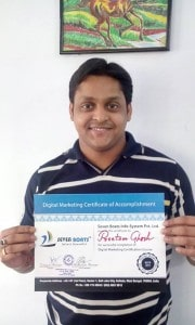 Student with digital marketing certificate after getting job in Accenture
