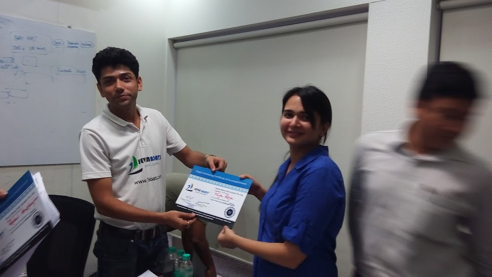 Certificate award after a corporate session on digital marketing
