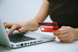 Top 3 Ways to Go Cashless this Christmas and New Year