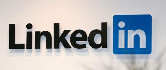 LinkedIn GIFs Redefine Professional Communication 1